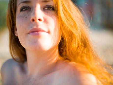 Mer & cheveux de feu | Pauline